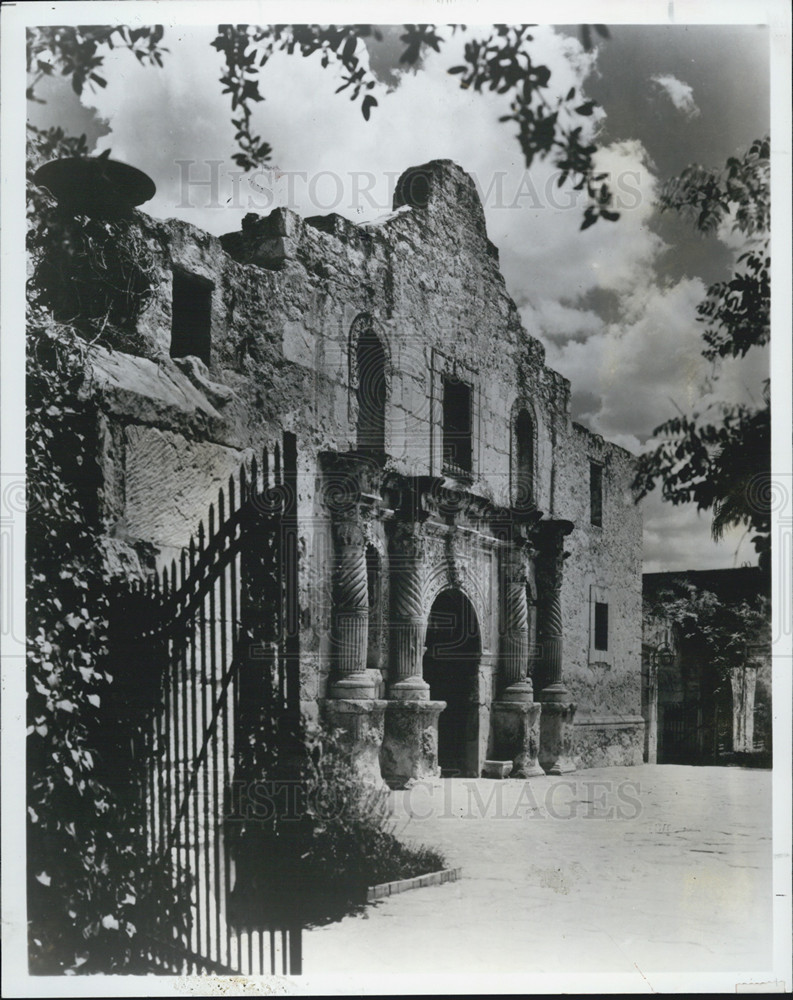 The Alamo Mission San Antonio De Valero 1718 By
